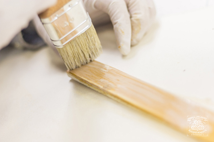 Золочение с использованием водной эмульсии - Сусальное золото и серебро