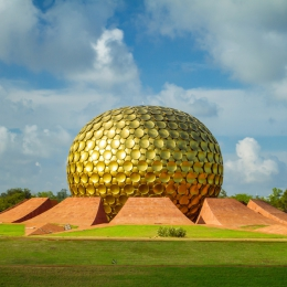 application-gold-leaf-in-architecture-auroville-india