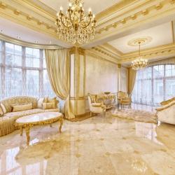 gold-leaf-applications-in-interior-design-living-room