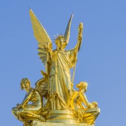 gold-leaf-manetti-sculpture-paris-france