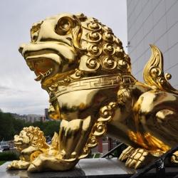 gold-leaf-manetti-sculpture-ulan-ude-russia