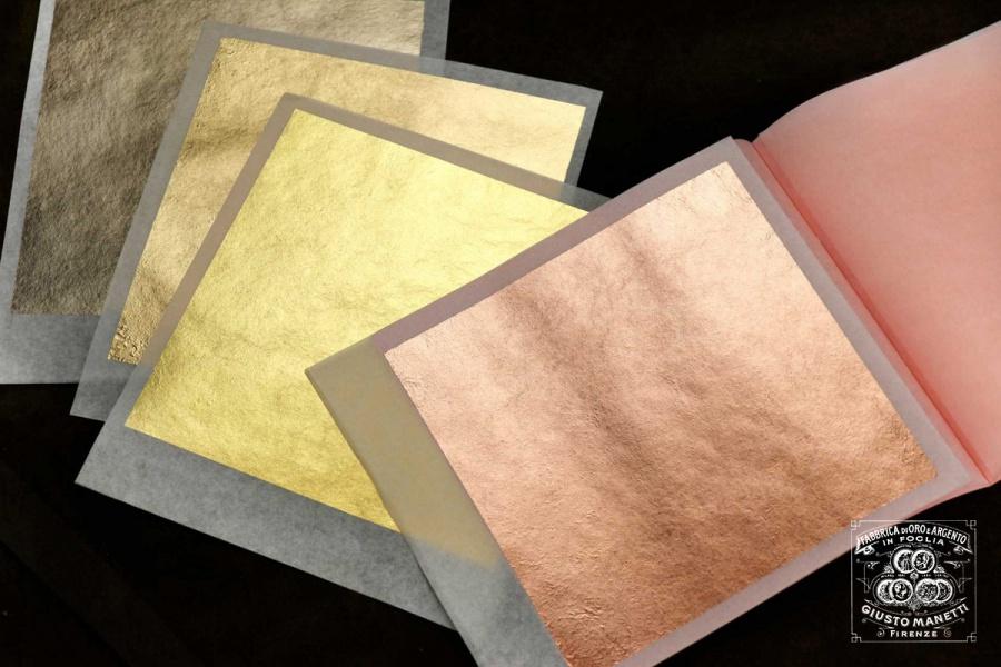 Розовый лист сусального золота имеет новый цвет